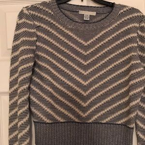 short sweater, Size Large, Preowned